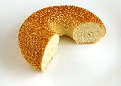 200 kalori of Sesame Seed Bagel